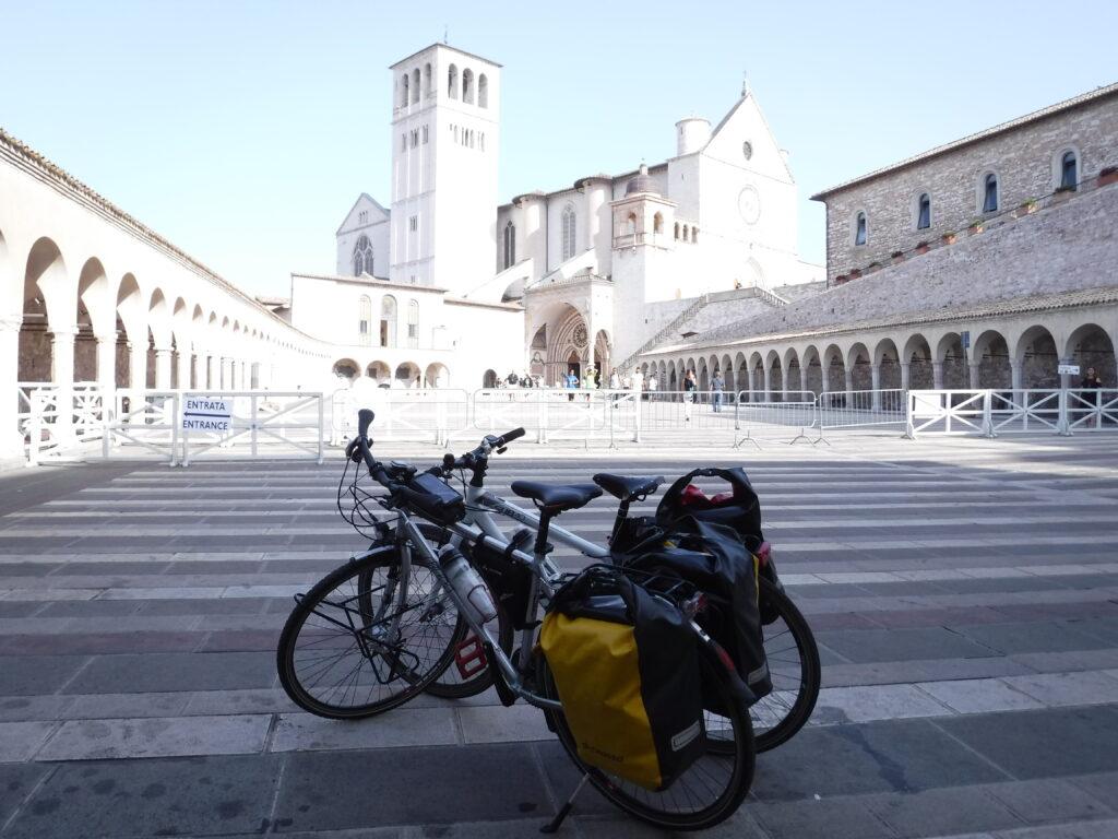 In bici Assisi Colfiorito 1
