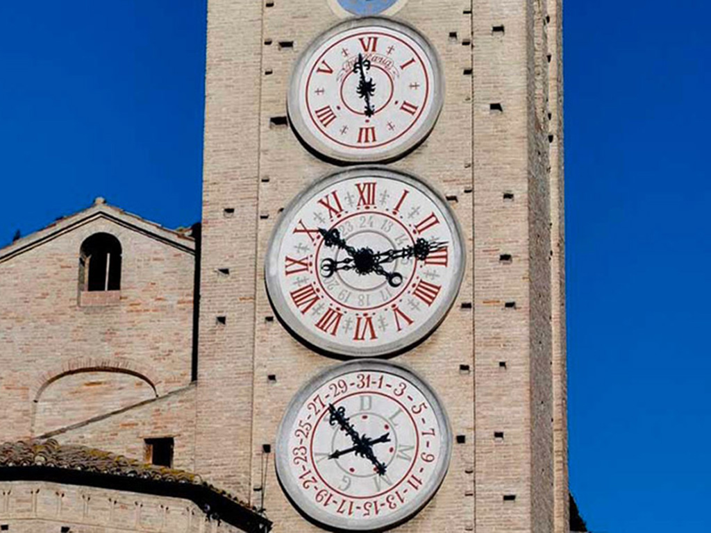 torre_orologi_Tolentino1024